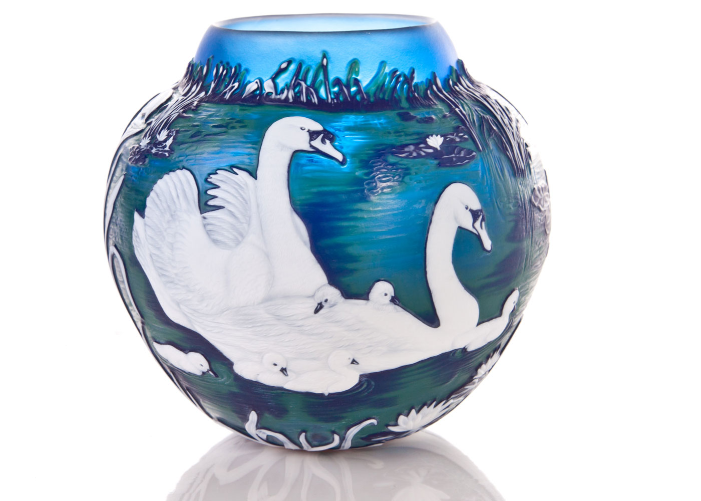 Swan Riverbank Vase